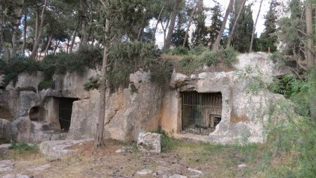 Tombs_of_the_Sanhedrin